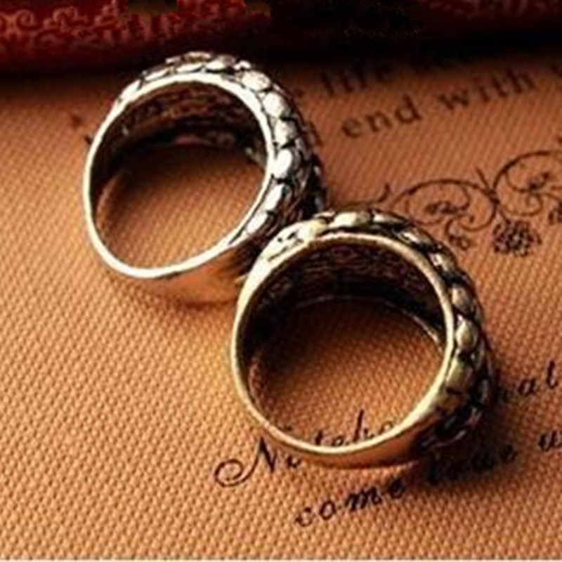 Wholesales!2019 Fashion retro European and American popular retro big snake embossed three-dimensional ring ring !