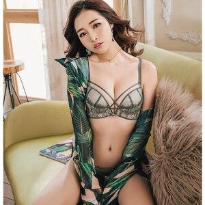 Image 5 - Sexy aushöhlen frauen spitze transparent dessous anzüge tiefe v einstellbar drahtlose nahtlose bh und panty set damen unterwäsche