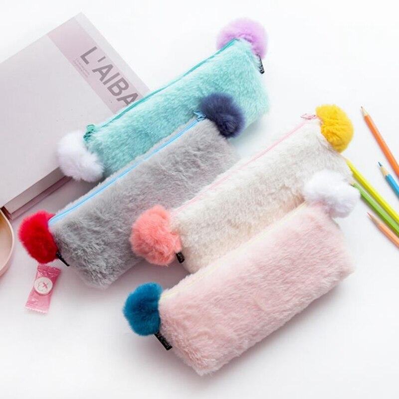 95a823ecea6b3 Düz Renk peluş kalem kutusu Kızlar Için Okul Kalem Kutusu Çanta Kırtasiye  Kıl Yumağı Pencilcase Kawaii Kalem Kutusu Okul Malzemeleri