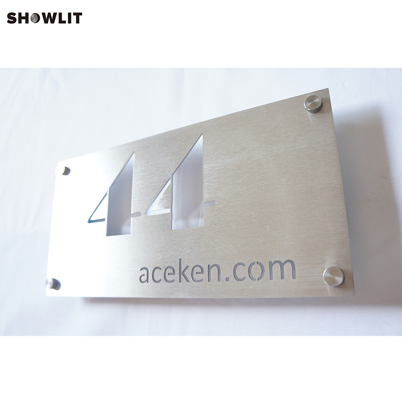 Siliver Brushed Metal House Number Design Plaques куртка house design code