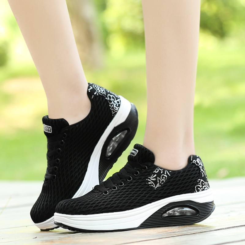 New Fashion Sneakers Women Vulcanize Shoes Wedge New Chunky Sneakers Women Flats Outdoor Casual Women Shoes Hot Ladies Shoes