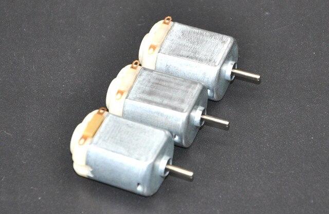 Envío gratis 3 uds/130 pequeño motor DC 3 a 5V motor miniatura de cuatro ruedas pequeño + (paquete de ENGRANAJE 3 uds)