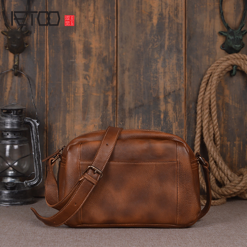 AETOO New imports of the first layer of cakes leather men's shoulder bag hand Sassafras fashion simple lady Messenger bag famous brand top leather handbag bag 2018 new big bag shoulder messenger bag the first layer of leather hand bag