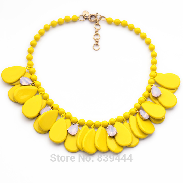 Beautiful Color Glass CAB Petal Elegant Fashion Luxury New Fashion Glass Bead Necklace Women