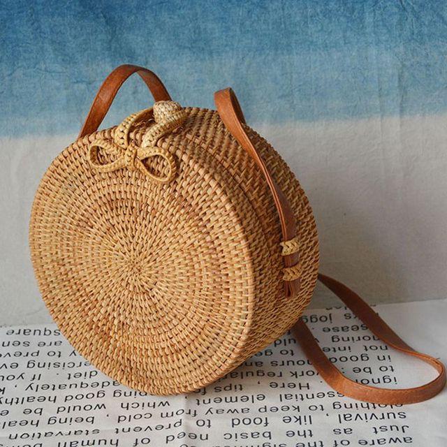 f36e966e1 2019 Moda Rodada Sacos De Palha de Verão Mulheres Estilo Bolsas Sacos  Crossbody Rattan Handmade Woven