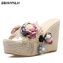 Купить с кэшбэком GBHHYNLH Women Flowers Wedges Flip Flops Sweet Flower Slippers Woman Sandals Platform Shoes Beach Flip-flops Slippers LJA335