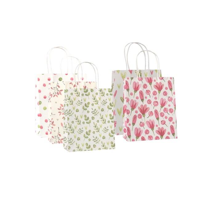 50 יח\חבילה מתוק פרח מודפס קראפט נייר תיק פסטיבל מתנת שקיות נייר שקיות עם ידיות ילדי מתנת שקיות 18x15x8cm