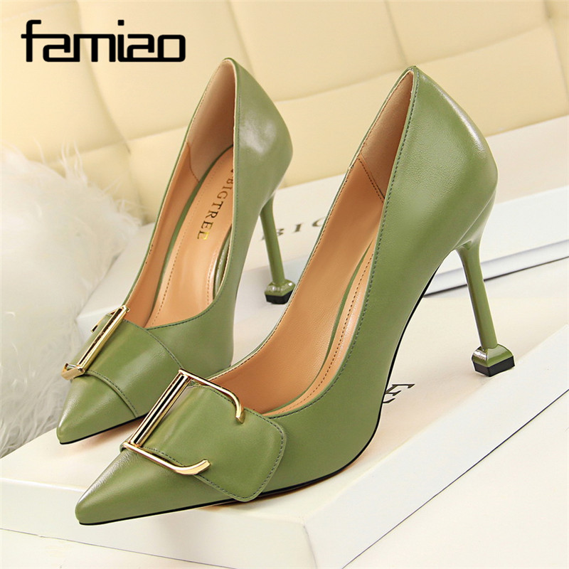 FAMIAO green pumps big buckle slip on women shoes sexy party shoes black white high heel wedding shoes pointed toe 2018 sequined cloth women pumps super high heel sexy shoes pointed toe wedding shoes women pumps slip on elegant party wedding pumps