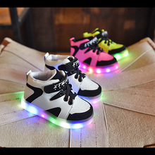 2016 New Kids Sneakers  Luminous Lighted Colorful LED lights Children Shoes Casual Flat Girls Boy ShoesChildren running shoes