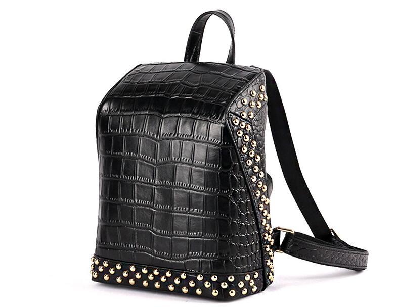 แท้ผู้หญิง rivet ขนาดใหญ่กระเป๋าเป้สะพายหลัง-ใน กระเป๋าเป้ จาก สัมภาระและกระเป๋า บน   1