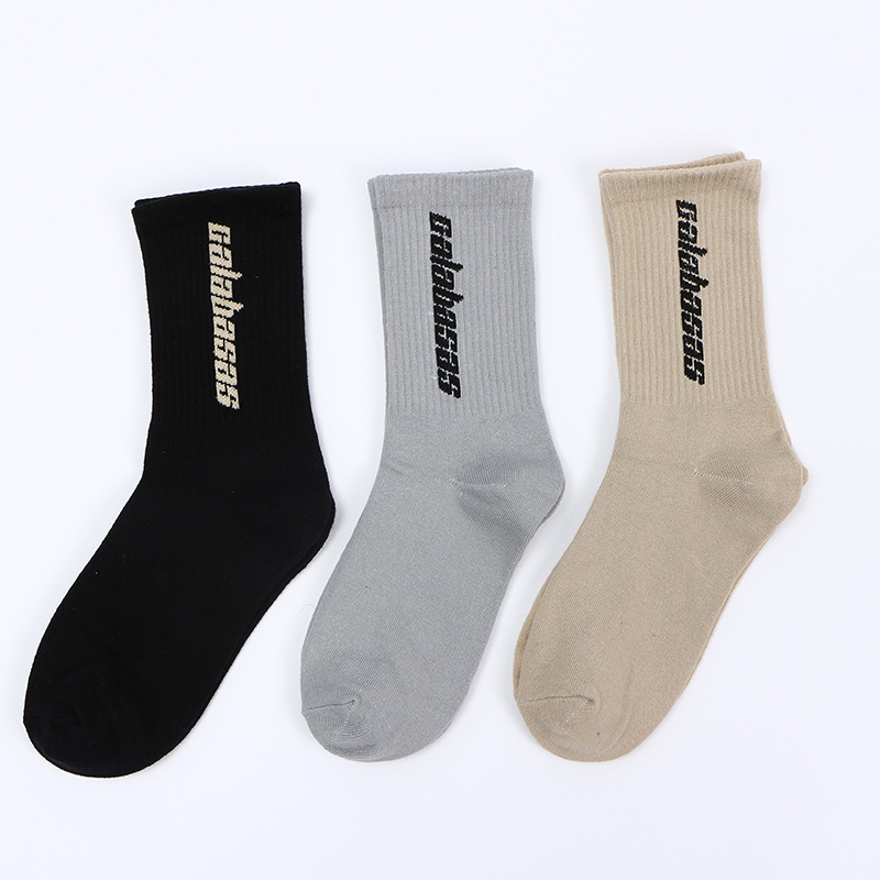 2018 hip hop Tide brand letters Harajuku calabasas   socks   Trendy men women neutral street long   socks   unisex calabasas Calcetines