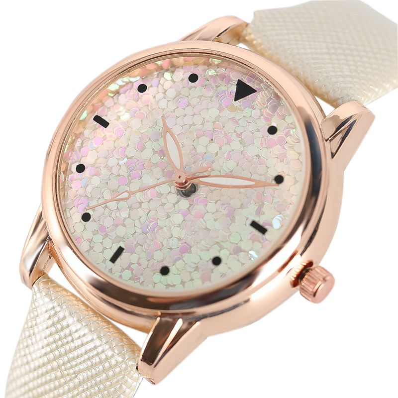 Women's Watches Casual Quartz Watch Paillettes Blink Heart Glitter Flake Leather Band Luxury Classic Wrist Watch Ladies Dress casual layered heart wings watch
