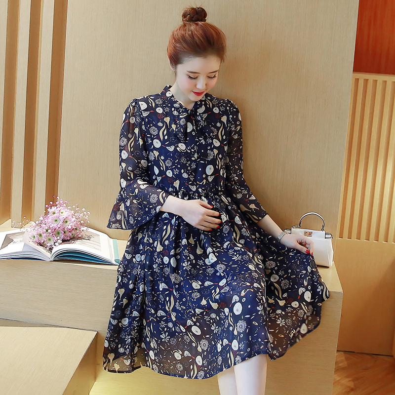Pregnant women spring coat fashion V-neck horn seven sleeves printed chiffon dress in the long section of the summer skirt