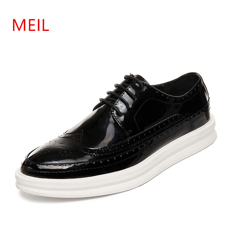 MEIL New 2018 shoes Men Patent Leather shoes mn Casual Silver Flat Shoes Mens Brogue Loafers Male Shoes chaussure homm