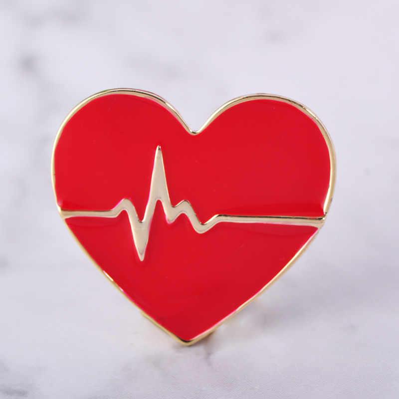 Blucome Rosso Dello Smalto di Amore Battito Cardiaco Forma Spilla Corpetto Medico Infermiere Ospedale Distintivo Speciale Cuori di Design Spille Clip Collare