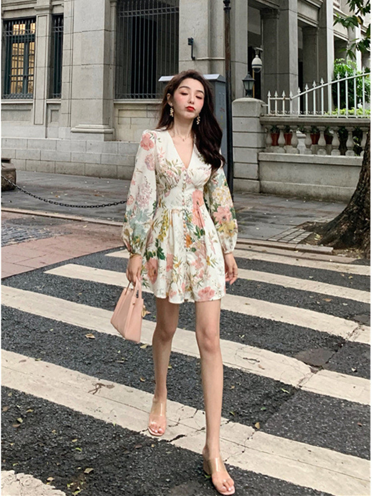HTB1KsrndwKG3KVjSZFLq6yMvXXaI - Fashion Runway Holiday Rompers Female Sexy V-Neck High Waist Short Jumpsuit Elegant Womens Long Sleeve Vintage Floral Playsuits