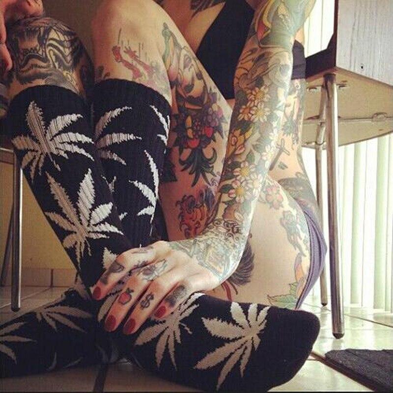 1 pair Men Maple leaf Socks fashion Weed Socks Long Skateboard hiphop sock Meias women unisex Harajuku Hemp Calcetines