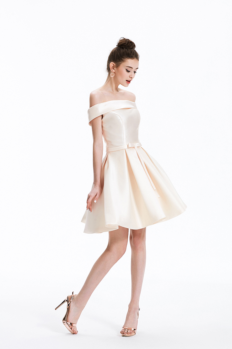 Elegant Champange Satin Short Bridesmaid Dress