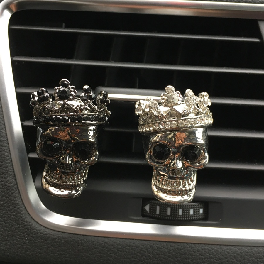 Nyt mønster Metal personlighed Skull Ghost Bil parfume Air Freshener Air conditioner luftudtag Ornament Parfume Car-styling
