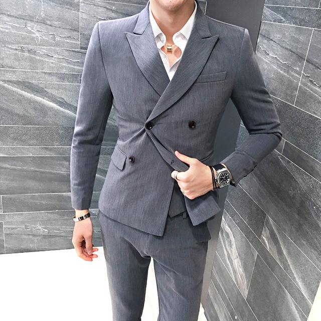 3 Peças Homens Terno Estilo Britânico Double Breasted Negócios Formal Wear Conjunto Smoking Ternos dos homens Slim Fit Moda Blazer Cinza Quente 5XL