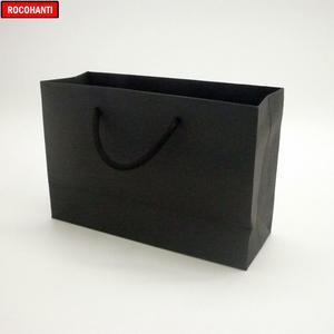 Image 3 - 50 قطعة 250 جرام أسود كرتون ورقة حقيبة مع سلسلة للملابس التسوق شعار مخصص مطبوعة قبول F2122