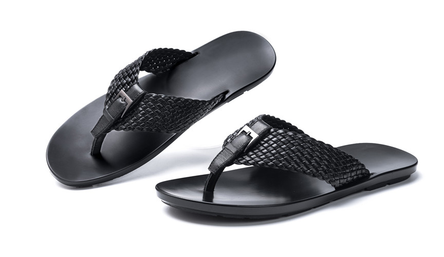Male New Style Weaving Summer Comfortable Beach Slippers Men Mixed Color Casual Breathable Buckle Strap Leather Flat SlippersMale New Style Weaving Summer Comfortable Beach Slippers Men Mixed Color Casual Breathable Buckle Strap Leather Flat Slippers