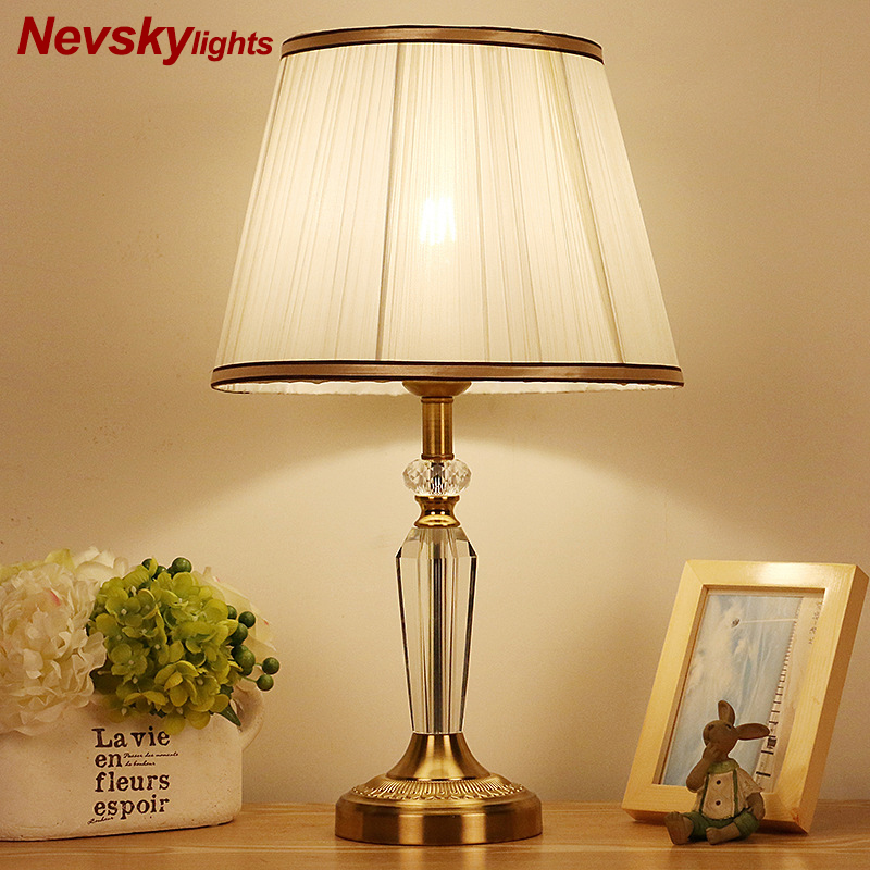 candeeiros mesa para quarto lampada 02