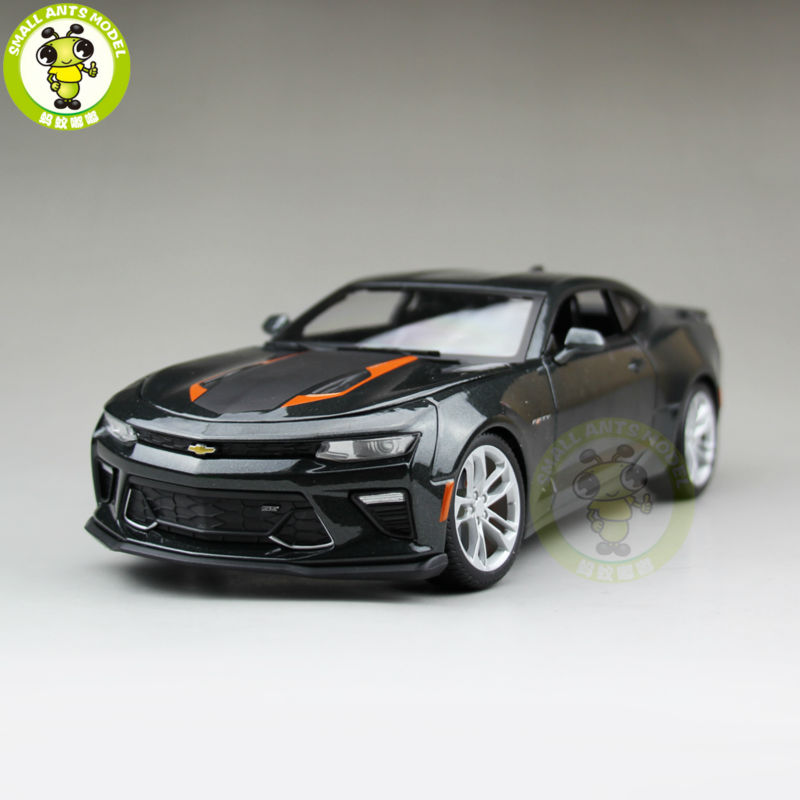 1/18 2017 <font><b>Chevrolet</b></font> CAMARO Fifty Year Anniversary Diecast Model Car Maisto 31385 Gray image