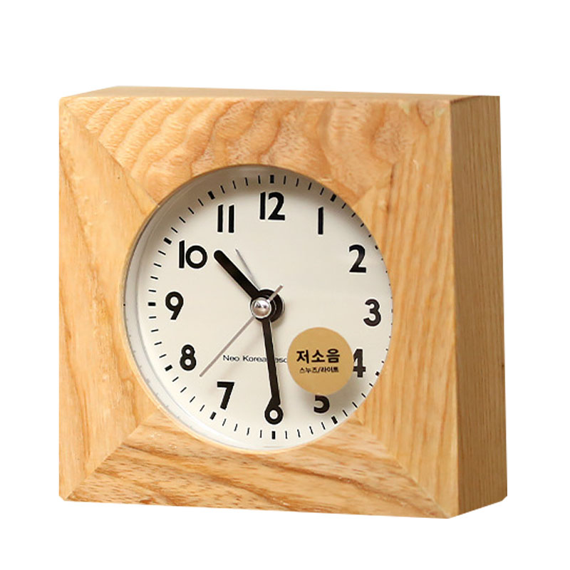 Home Decoration Iron Square Alarm Clock Desktop Table Bedside Clocks Kids Adults Travel Clock Decor Mute Wood Grain Alarm Clocks