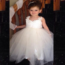 Lovely Flower Girls Dresses With V Neck Two Straps Appliques Tulle White Junior Bridesmaid Dress Backless