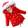 Los niños ropa de invierno Mianfu Chica parkas abrigo Femenino engrosamiento Ropa de Abrigo de Dibujos Animados Muñecas Alta Calidad Abrigo rojo
