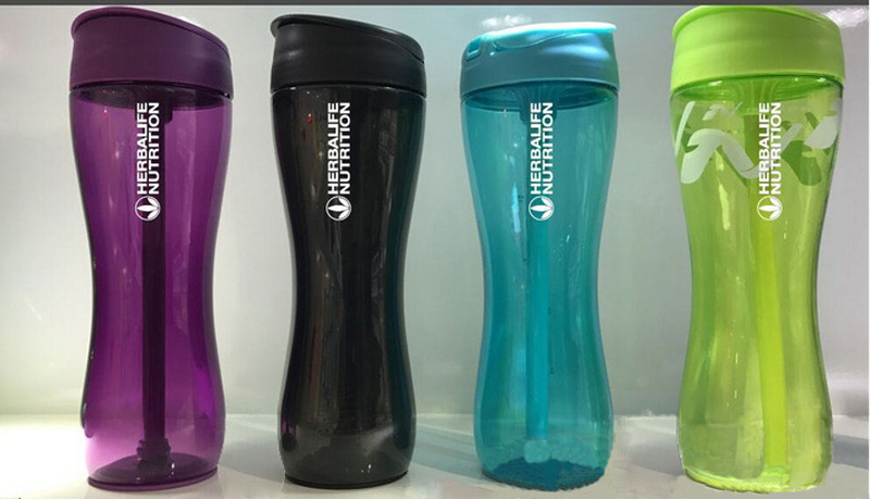 Ditch your old smelly plastic shakers and say hello to the insulated Ice Shaker™ protein shaker. This tumbler is odor-free and holds ice for over 30 hours. Take your workout or beach party to the next level! Seen on Shark Tank!