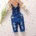 2016 Primavera y Otoño Bebé Pantalones Del Babero Del Mono Del Bebé jeans Muchacha Del Muchacho Ropa de Bebé Monos Del Niño Recién Nacido Piezas Q213