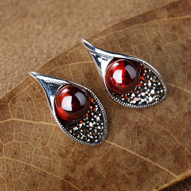 LouLeur 925 sterling silver natural stone earrings natural garnet red agate red corundum Calla lily drop earrings for women