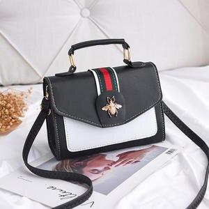 4a8810b713820 FREN VUITTON Famous luxury Design 2018 Messenger clutch