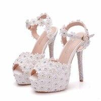 2019 New Wedding Sandals White Lace Flowers Pearl Rhinestone Sweety Princess Style Thin Heels High Heels Big Size XY B0255