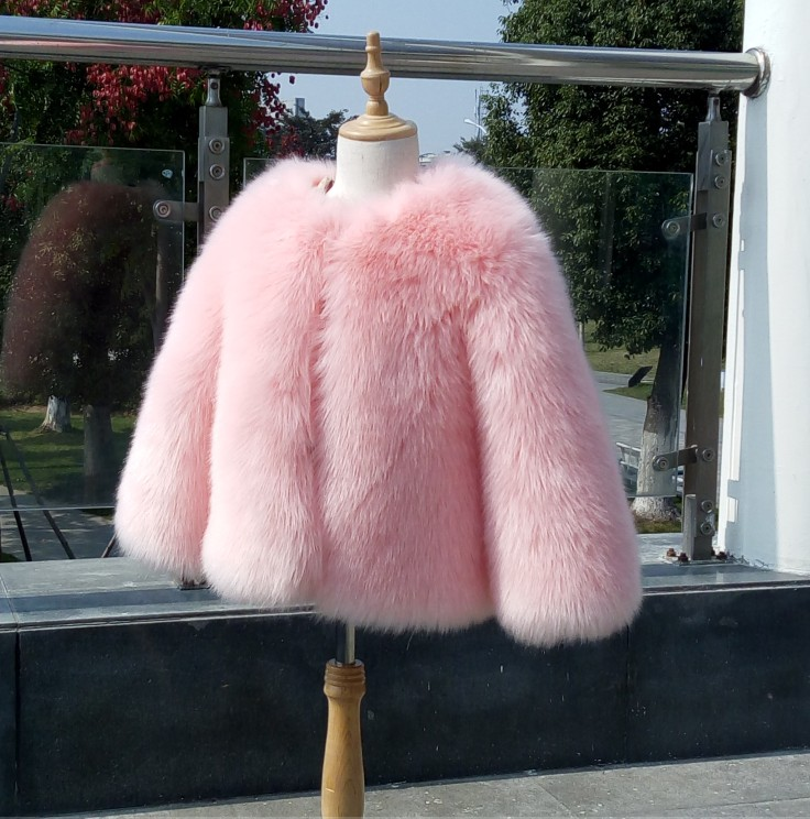Girls pink fur coat jacketin - Traumzimmer fur teenager ...