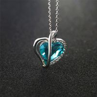 A037 2019 new women's necklace heart pendant titanium steel crystal made in Europe and the United States popular gifts