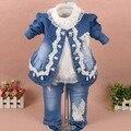 Nova primavera 2017 meninas de alta qualidade denim casaco rendas patchwork camisa da flor t conjuntos de roupas 3 pc denim roupas de menina bebê conjuntos