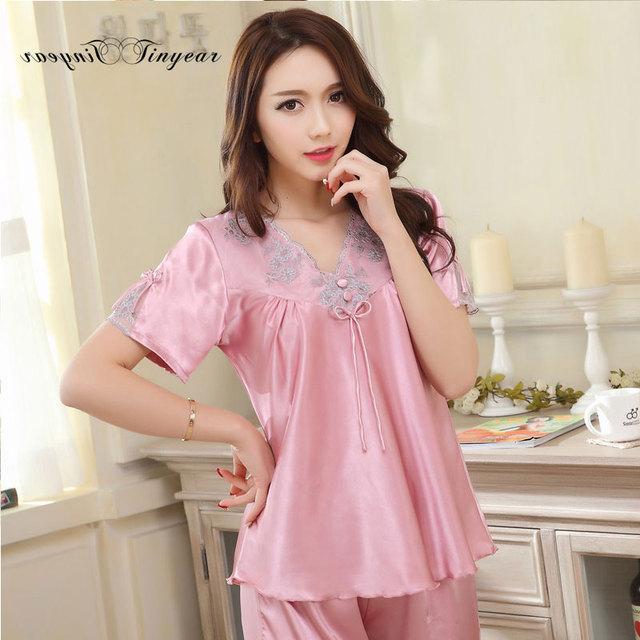 Más el tamaño M-XXXL mujeres de los pijamas de manga corta sexy floral con cuello en v pijamas mujer femenina suave paño noche con pajarita