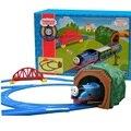 Бесплатная Доставка Томас И Друзья Поезд Трек Железнодорожных Электрический Автомобиль Игрушки очень Мальчик Подарок Обучения и Образовательные Toys Для Детей рождество