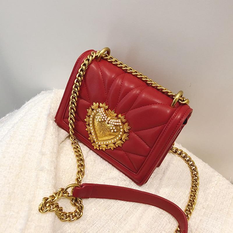 Newest Fashion Lady Gold Chain Shoulder Crossbody Bag Metal Love Heart Pattern Clutch Purse Women Messenger Bag Channels Bag Sac