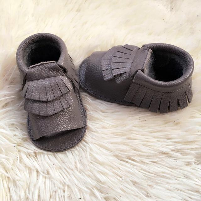 Cinza dupla franja mocassins bebê