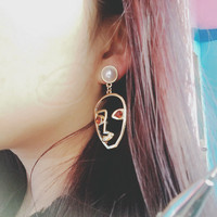 1 Pair Pinksee Unique Hollow Alloy Human Face Earrings For Women Crystal Imitation Pearls Decoration Ears Jewelry