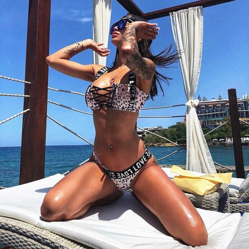 540176bdef7e € 9.94 48% de DESCUENTO Bikini 2019 mujer traje de baño carta impresión  Sexy Bikini Set Push Up mujeres traje de baño Tanga traje de baño blanco ...