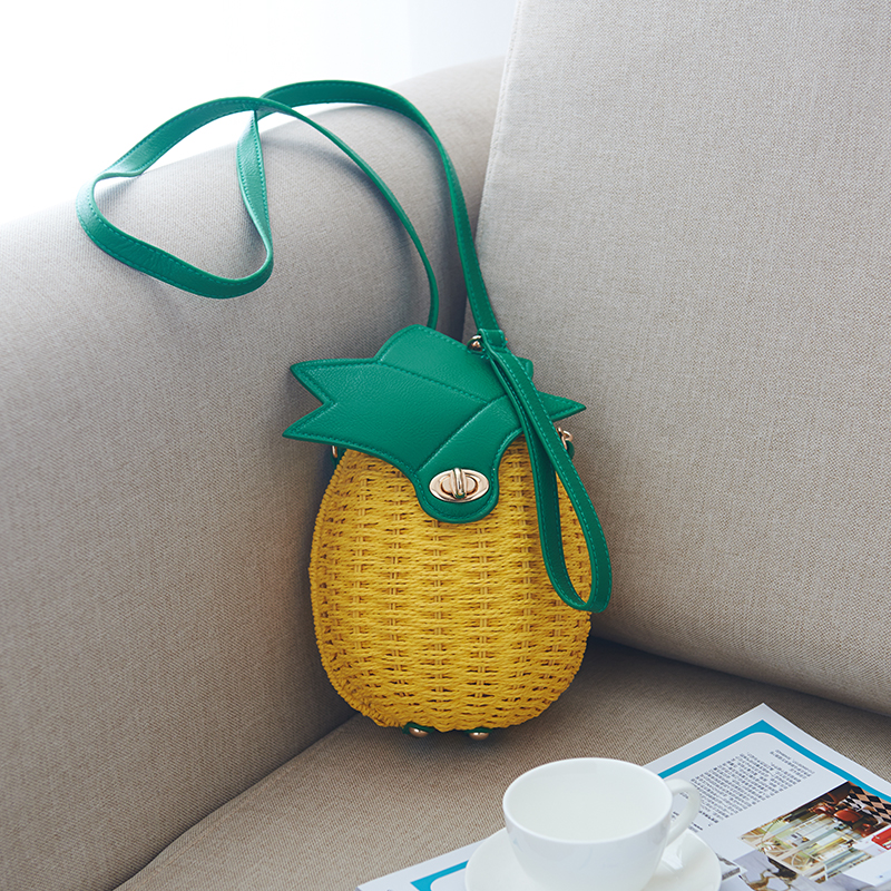 The summer vacation package mail bag pastoral pineapple shoulder diagonal cross woven straw bag beach bag bag. lipt 2018 mini package bag chain bag small package of the new spring and summer leisure package free shipping