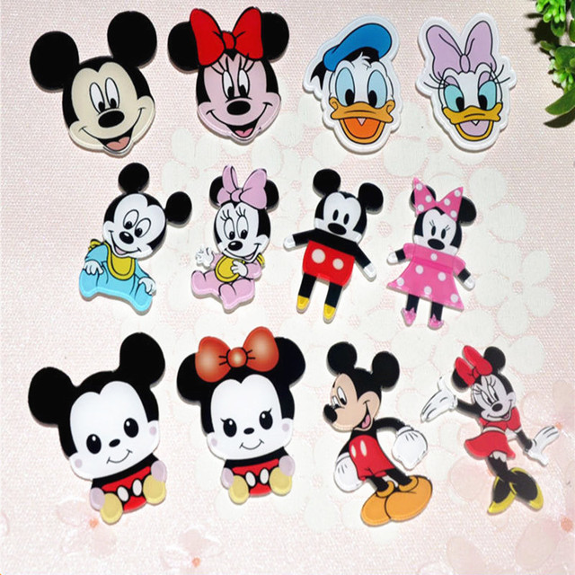 bcdeb98ed405 12Pcs lot Cute Cartoon Mickey Minnie Mouse Shaped Acrylic Badges Clothes  Brooch Pins Icons On