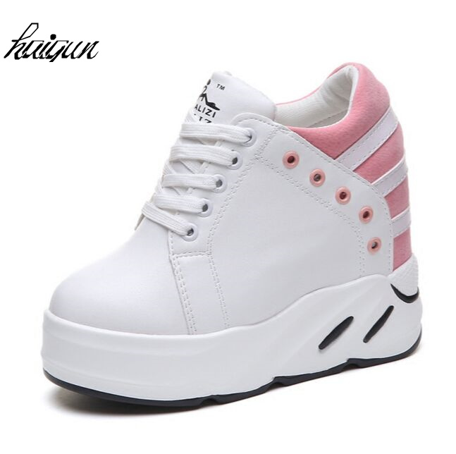2018 spring and autumn period and the hot sale style women shoes hidden wedge Sponge cake white elevator casual shoes for women