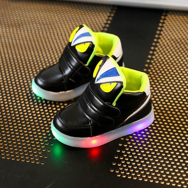 e93004fcaa052 Mode enfants chaussures avec Flash enfants lumière Chaussure Led Enfant Led  filles chaussures sport respirant garçons