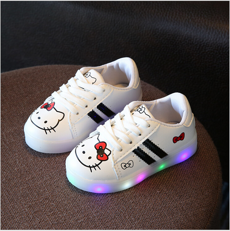 New 2017 Cool LED Lighted Kids Shoes Fashion Spring/Autumn Boys Girls Child KT Sneakers Lovely Baby Lunimous shoes 3 colors
